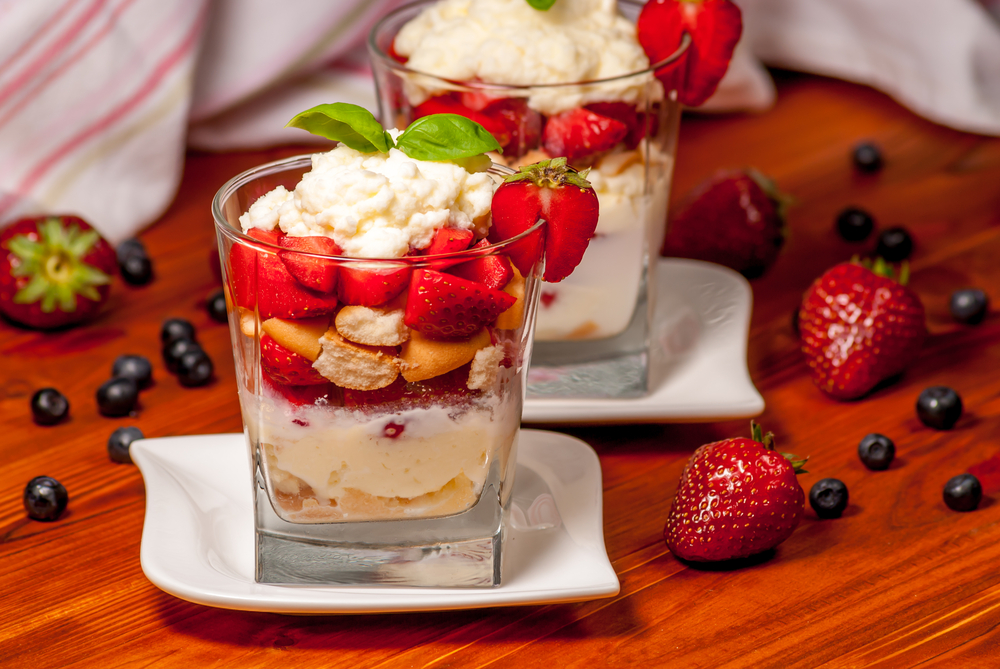 Tiramisù con fragole e yogurt